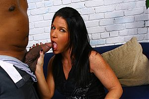 mom goes black1 tn Hot mom Kendra Secrets gets her pussy pushed to its limits